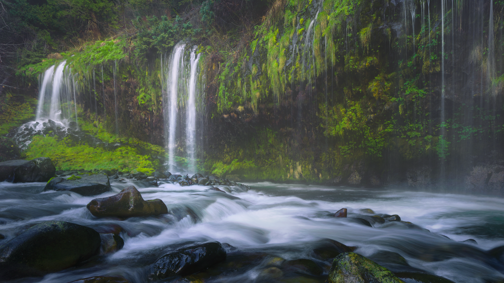 Mossbrae Falls in Northern California, by Jeremy Vesely Photography